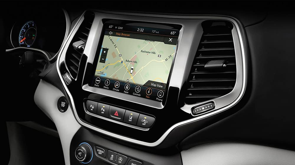 2020-Jeep-Cherokee-Technology