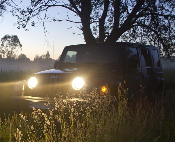 jeep wrangler headlights on