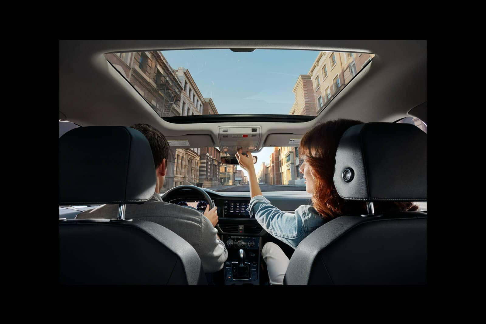 2019-Volkswagen-Jetta-panoramic-sunroof
