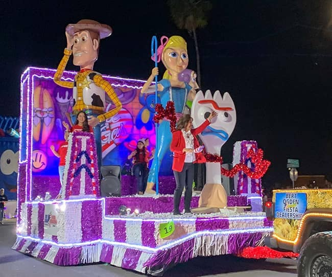 Community and Events - McAllen-Holiday-Parade-1