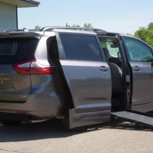 Toyota-Sienna-SideEntry-side view open