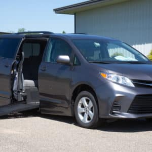 Toyota-Sienna-SideEntry-side view front