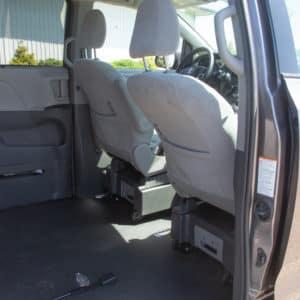 Toyota-Sienna-SideEntry-restraints