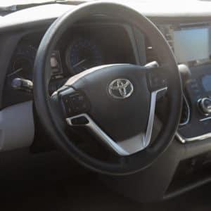 Toyota-Sienna-SideEntry-front dash