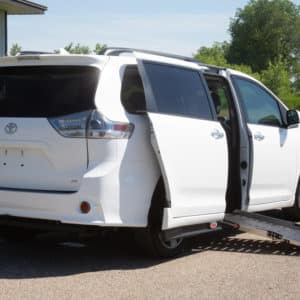 Toyota-Sienna-AdaptiveSideConversion-NoKneel-side view