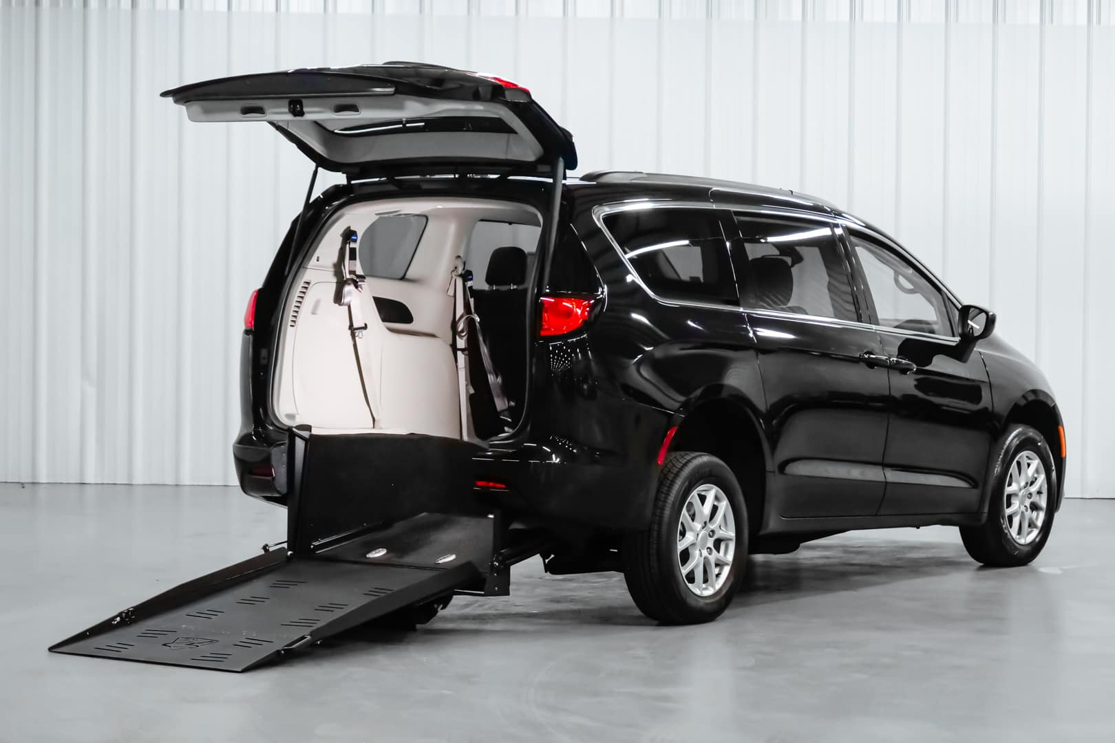 Wheelchair Accessible Chrysler Voyager rear entry ramp