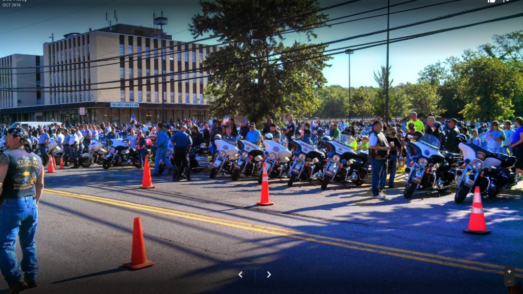 Prince Georges and Fairfax County police Departments lines up for the Rolling Thunder escorted ride to the Pentagon.