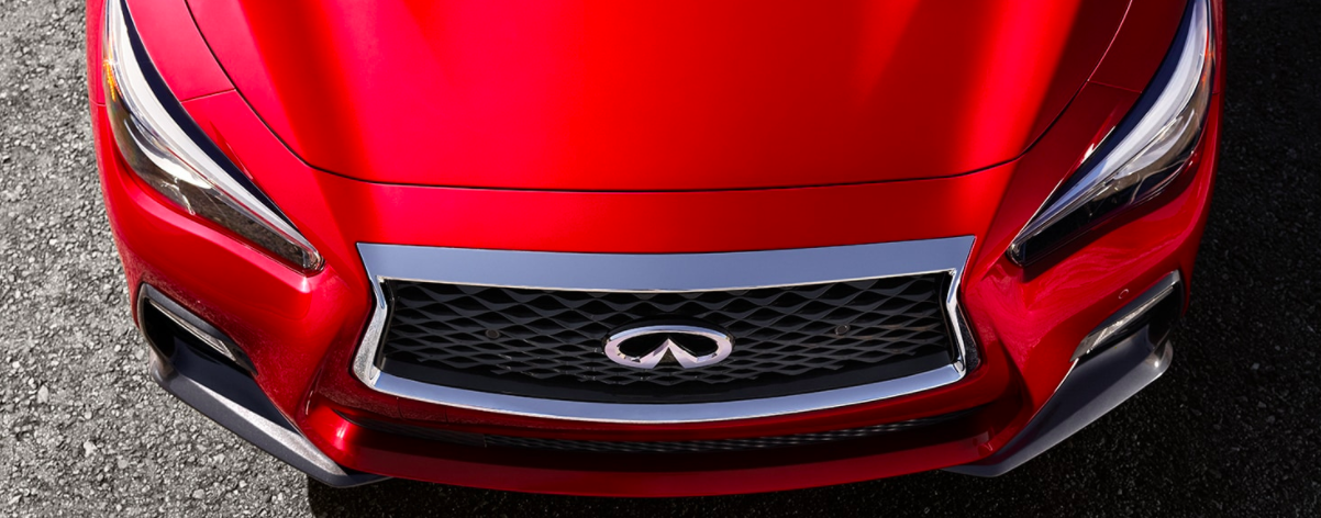 The hood and grille of a 2020 INFINITI Q50