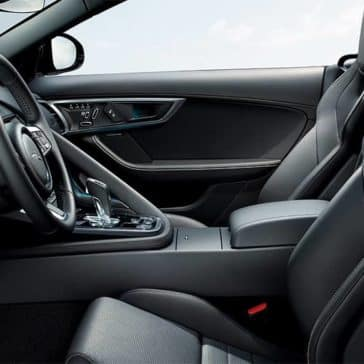 2020-Jaguar-F-TYPE-interior-view-of-front-seats