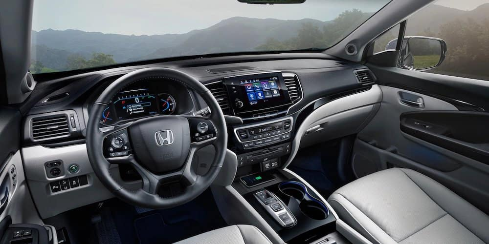 2020 Honda Pilot Front Interior and Dash