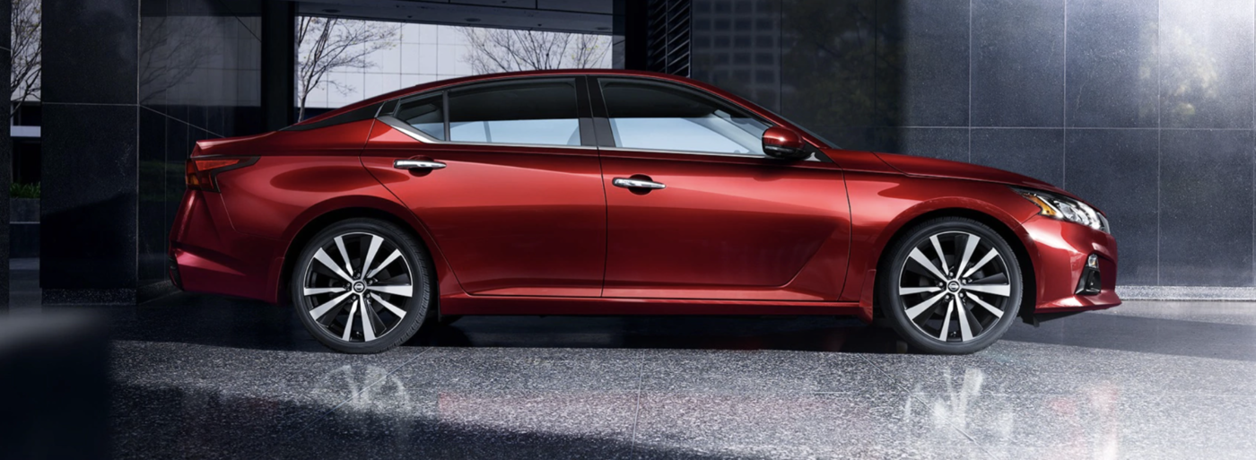2020 Nissan Red Altima