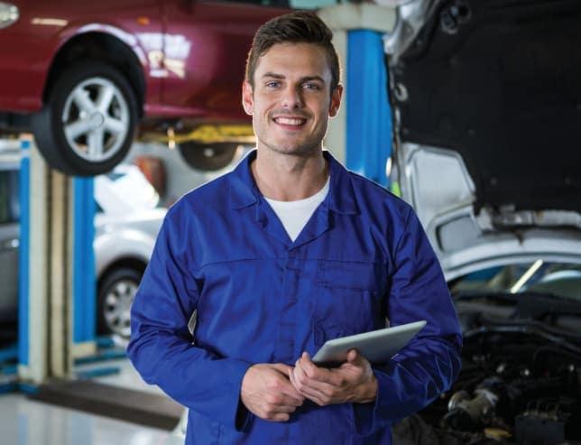 A mechanic with an ipad
