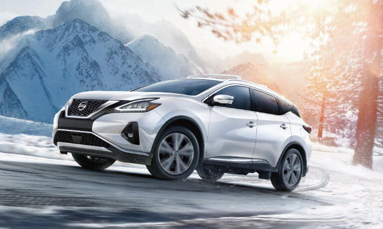 19 Nissan Murano Exterior while driving in the Snow-