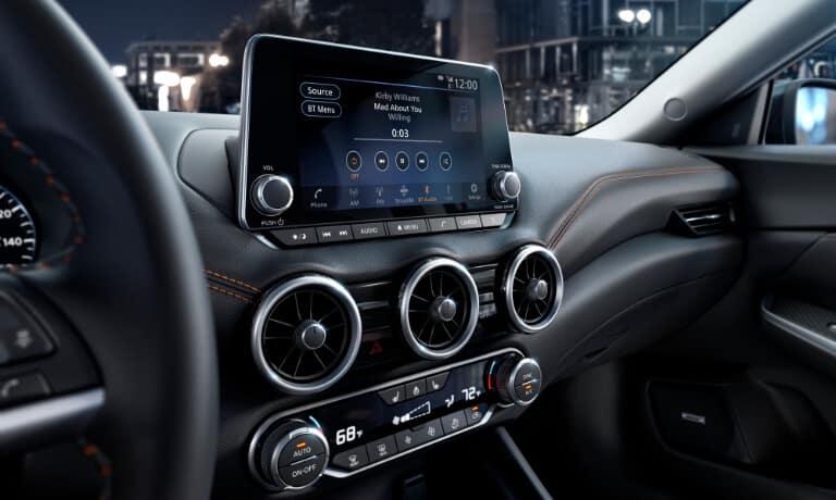 2020 Nissan Maxima touchscreen