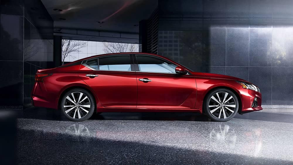 2020-nissan-altima-frameless-wheels