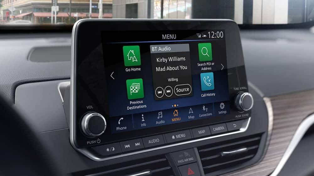2020-nissan-altima-touchscreen-display